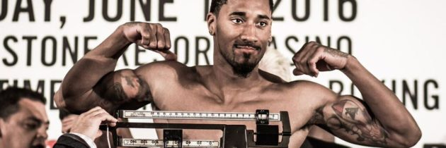 Andrade cruises past Fox in 160lb debut